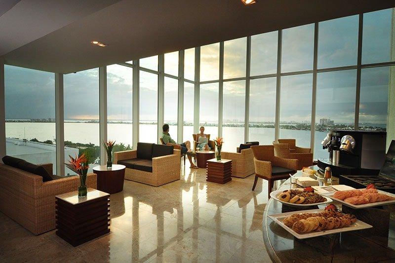 Sunset-Royal-Centro-consumo-Sky-Lounge